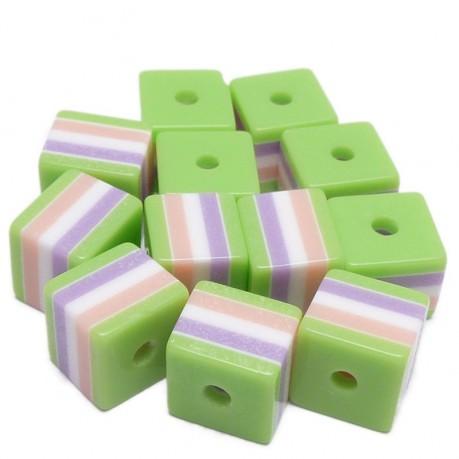 12ks Kostka plastová 8x8mm zelená s barevným mixem