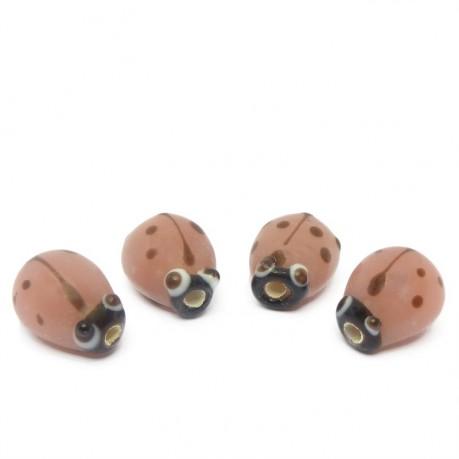 4ks Růžové vinuté perle beruška