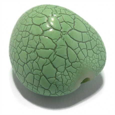 Plastový korálek (polosrdíčko)