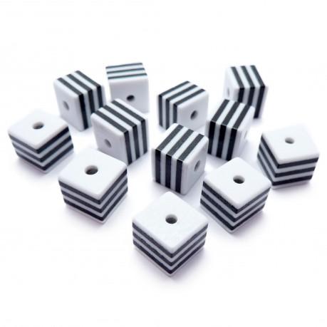 12ks Plastové kostky bílo černé