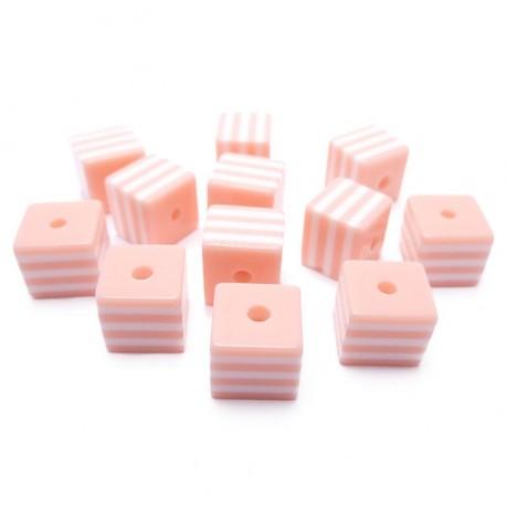 12ks Kostka světle růžovo bílá plastová